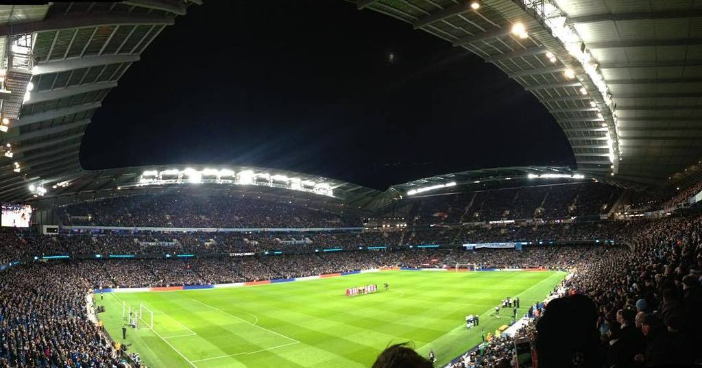 etihad_stadium_at_night_-_2015
